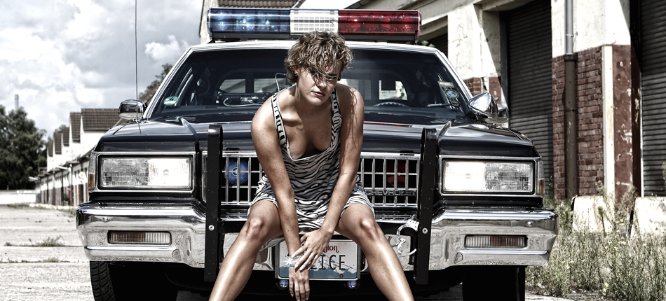 Nina and the Copcar